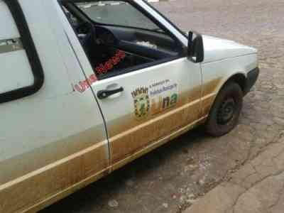 Ambulância da Prefeitura de Una, fazendo transporte irregular.
