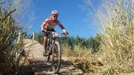 Una: O ciclista Fernando Sakamoto garante o 4 ºlugar em competição em Vítória da Conquista
