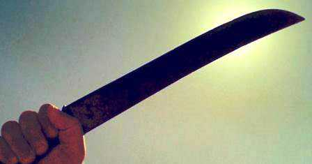 """Tentativa de homicídio em Una: Tio dá """"facãozada"""" no sobrinho no distrito de Outeiro"""