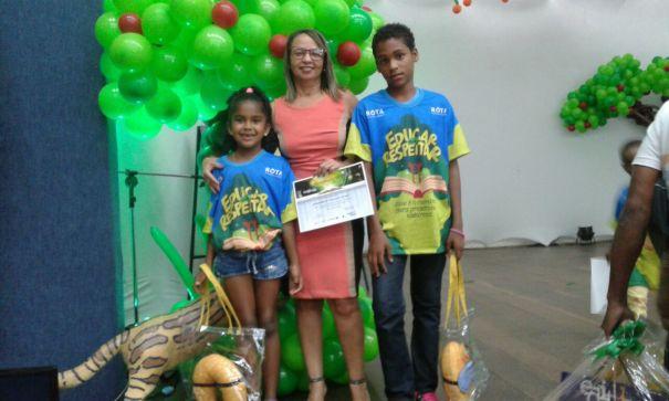 Aluna municipal de Una vence concurso de incentivo à leitura da TV Santa Cruz