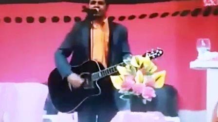 Simões Filho: Vídeo-ex-cantor de arrocha Márcio Moreno tem show gospel interrompido por tiroteio