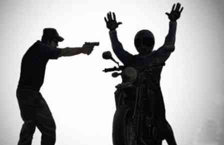 Una: Moto é tomada de assalto na rodovia Una/Colônia