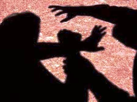 Vídeo r7: Marido é preso acusado de agredir e estuprar a esposa por 20 anos