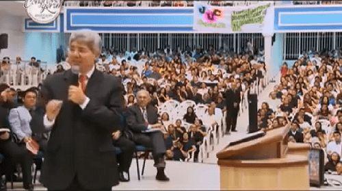 """Gospel: """"Cultos estão se tornando shows e adoradores virando atores"""", diz Hernandes Dias Lopes"""