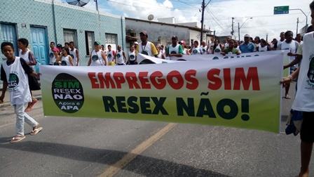 Canavieiras: População foi às ruas protestar Contra a Resex