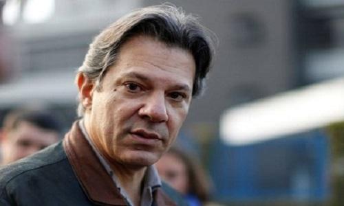 Fernando Haddad visita ex-presidente Lula na carceragem da PF em Curitiba