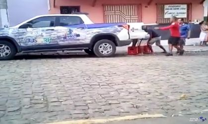 Jussari: Vídeo-Carro da Saúde foi flagrado transportando cerveja