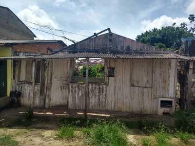 Una: Terreno abandonado em frente ao Fórum preocupa moradores