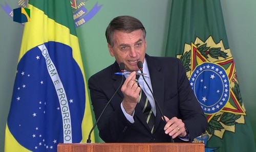 Presidente Bolsonaro assina medida provisória que extingue o DPVAT a partir de 2020