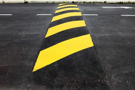 Atenção no trânsito: Mais quebra-molas foram construídos na rodovia Una/Ilhéus