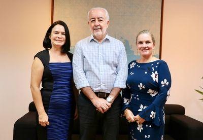 Ivana Bastos e Dr. Joanira solicitam obras de pavimentação para Una