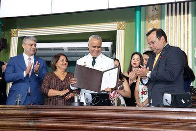 Polícia Militar: Coronel Anselmo Brandão recebe título de cidadão Soteropolitano