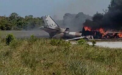Maraú: Vídeo-Queda de avião na pista de resort deixou nove feridos e uma vítima fatal