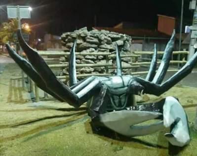 Canavieiras: Escultura de caranguejo é alvo de vandalismo
