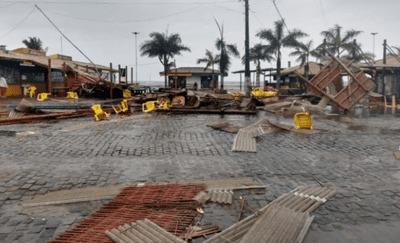 Vídeo: Temporal provoca estragos  na cidade de Porto Seguro