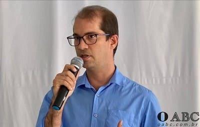 Prefeito de Teixeira de Freitas decidiu não aderir ao lockdown; comércio e cultos estão liberados
