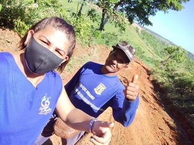 Una: Vereadora Marijane acompanha serviço de recuperação de estradas na zona rural