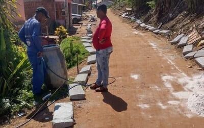 Prefeitura de Una: Obras de pavimentação não param no bairro Sucupira